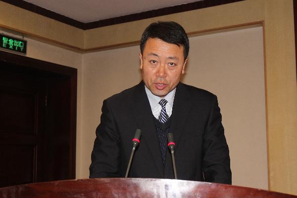 银川市法学会常务副会长张伟在自治区法学会常务理事扩大会议上交流发言